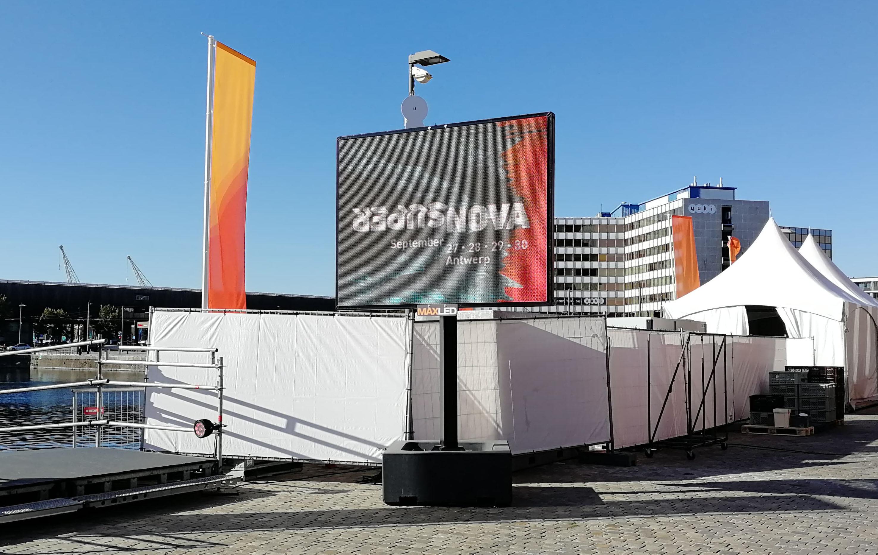 Een 5m² ledscherm op mobiele totem op het Supernova Event in Antwerpen
